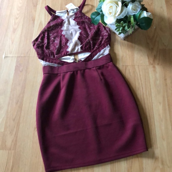 Charlotte Russe Dresses & Skirts - NWT Charlotte Russe Sexy Burgundy Dress - Size M